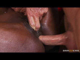 Brazzers Online Full HD Diamond Jackson Rub Down Diamond